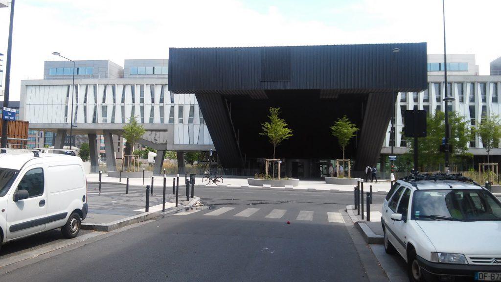 Ο Οίκος των Ανθρωπιστικών Επιστημών (Maison des Sciences de l'Homme), χώρος διεξαγωγής της διήμερης συνάντησης.